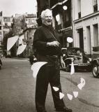 Alexander Calder<br />photo credit: drawmealion.blogspot.com