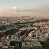 Paris 7, France<br />photo credit: Wikipedia