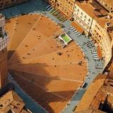 Piazza del Campo, Siena, Italy<br />photo crdit: hkpsi.org